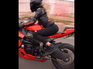 доедешь-напиши🤗 #мотоТаня девушка на красном мотоцикле