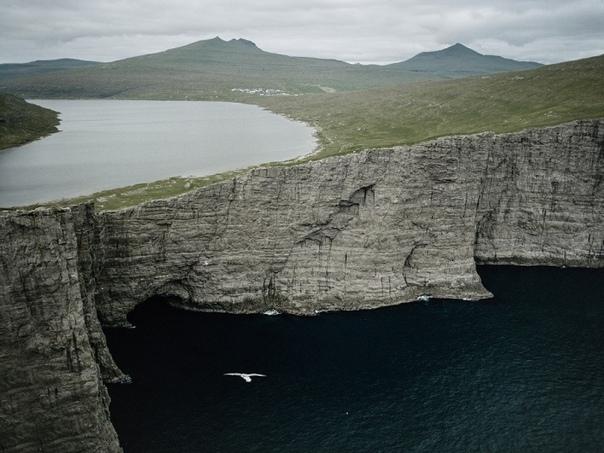 Сёрвогсватн - озеро над океаном