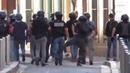 Après avoir frappé, gazé, matraqué les manifestants, la BAC exprime sa joie victorieuse...