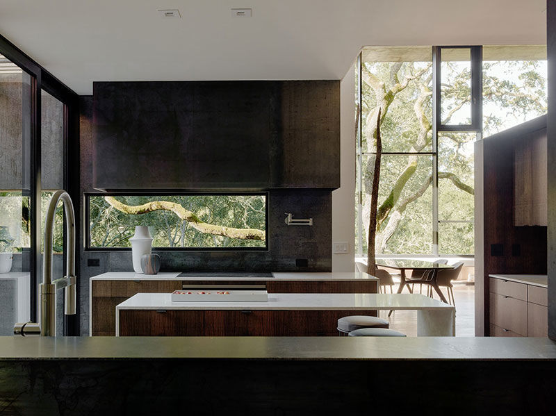 Впечатляющий минималистичный дизайн и энергоэффективный концепт: современном дом в лесу || 01