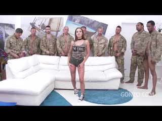 Солдаты вернулись с армии ( групповуха оргия гэнг бэнг группа грубо жестко rough  Silvia Dellai ass fuck dp group porn порно