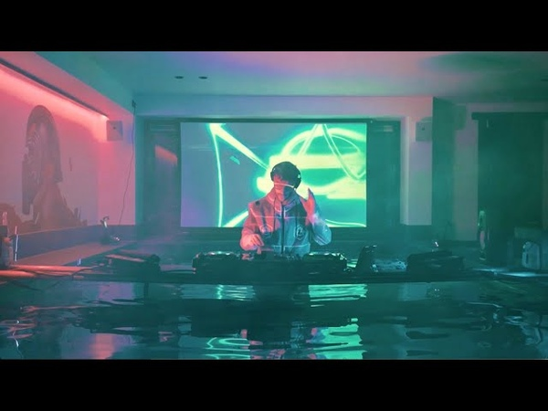 Don Diablo Live From His Swimmingpool Don t Try This At Home!