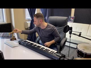 "Brandon Stone (Брендон Стоун) - антикризисная песня ""Коронавирус уйди"""