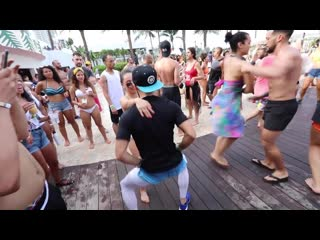 Dancing on ONE - Karel Flores at the Miami Salsa Congress