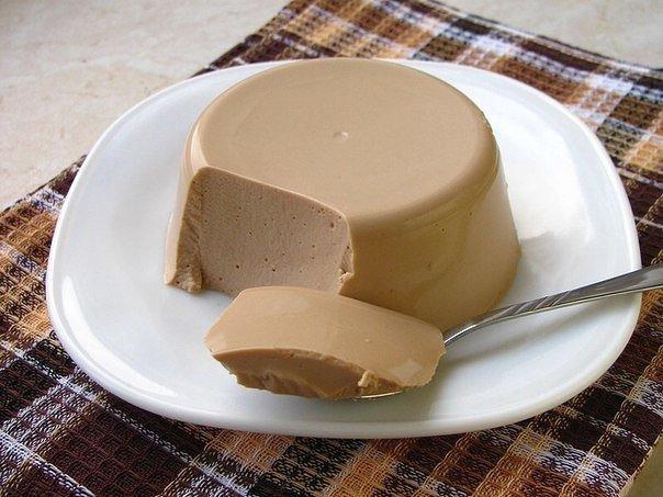 Творожное суфле с какао на 100грамм - 91.94 ккалБ/Ж/У - 10.99/1/9.79 Ингредиенты: 100 мл обезжиренного молока 300 г обезжиренного творога 2 ст. л. какао 2 ст. л. мёда 20 г желатина 1 стакан
