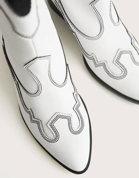 Ботильоны на высоком каблуке в ковбойском стиле с контрастными швами