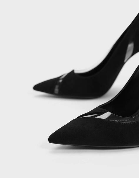 Туфли на каблуке-шпильке с виниловыми деталями