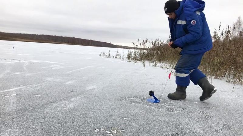 Первый лёд Зимняя рыбалка жерлицы 2018 Калуга Ловля на стоячку Торкотино