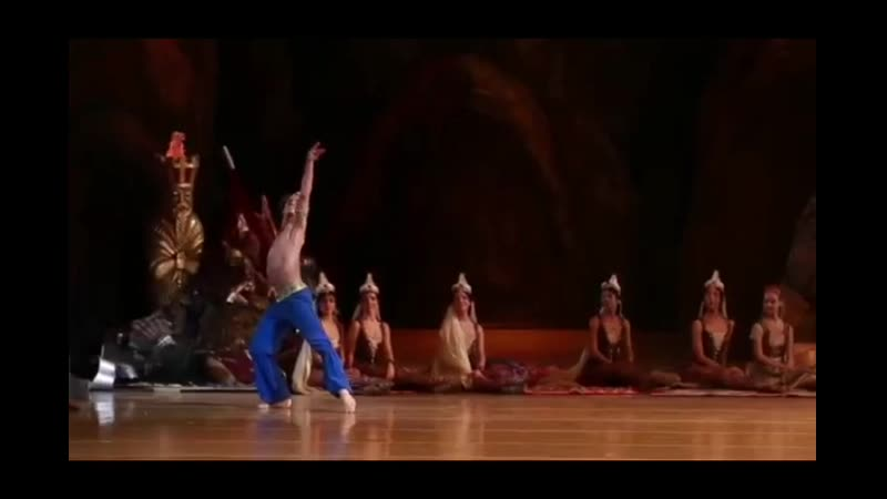 Sergei Polunin does huge ballet jumps in