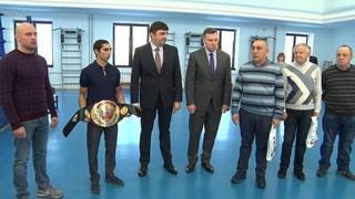 Победителя чемпионата России по боксу Эдмонда Худояна сегодня чествовали в СК «Металлург»