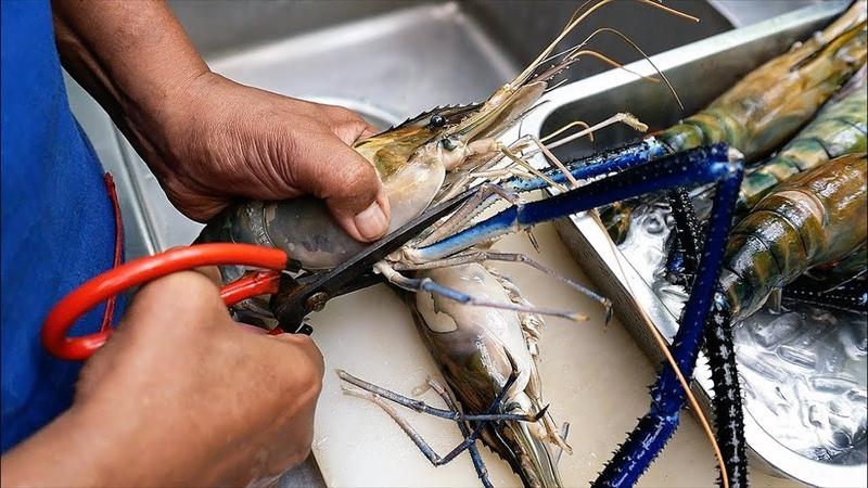 Thai Food GIANT RIVER PRAWNS Spicy Seafood Stew Aoywaan Bangkok Thailand