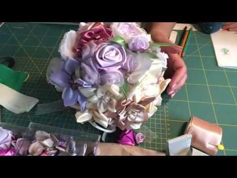 Крутим розочки Розы из атласных лент и ткани Текстильные розы