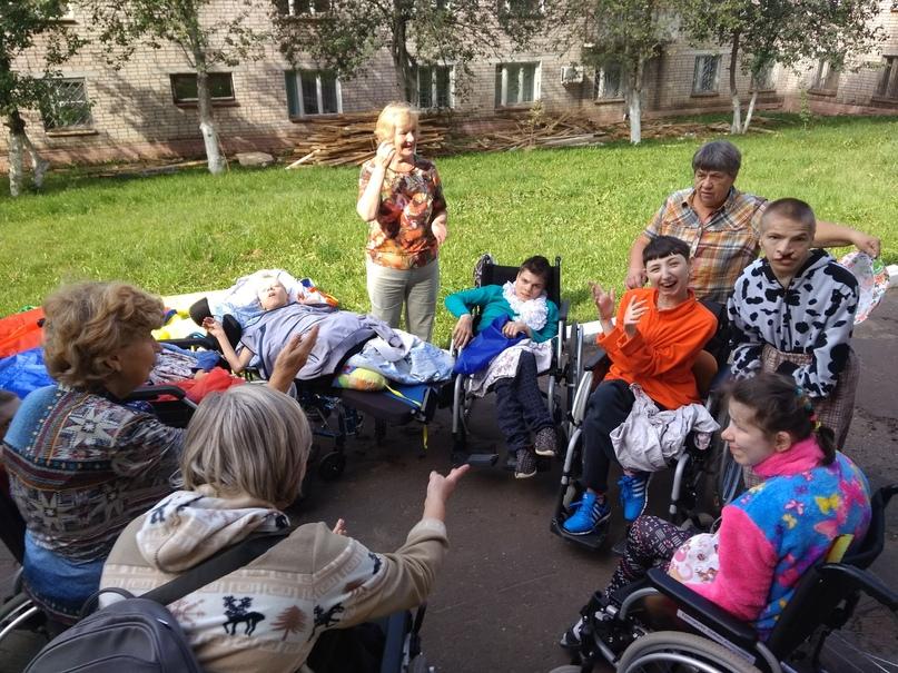 Светлана Кочурова: «Когда Лёня даёт мне руку, это делает мой день» (история волонтёра), изображение №3