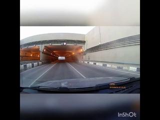Страшная авария с байкерами, слетевшими с мотоцикла в тоннеле на Тулака, попала на видео