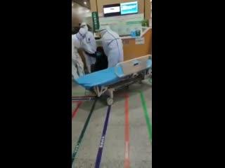 #necro_tv: жертвы коронавируса массово падают без сознания в Китае в Ухани