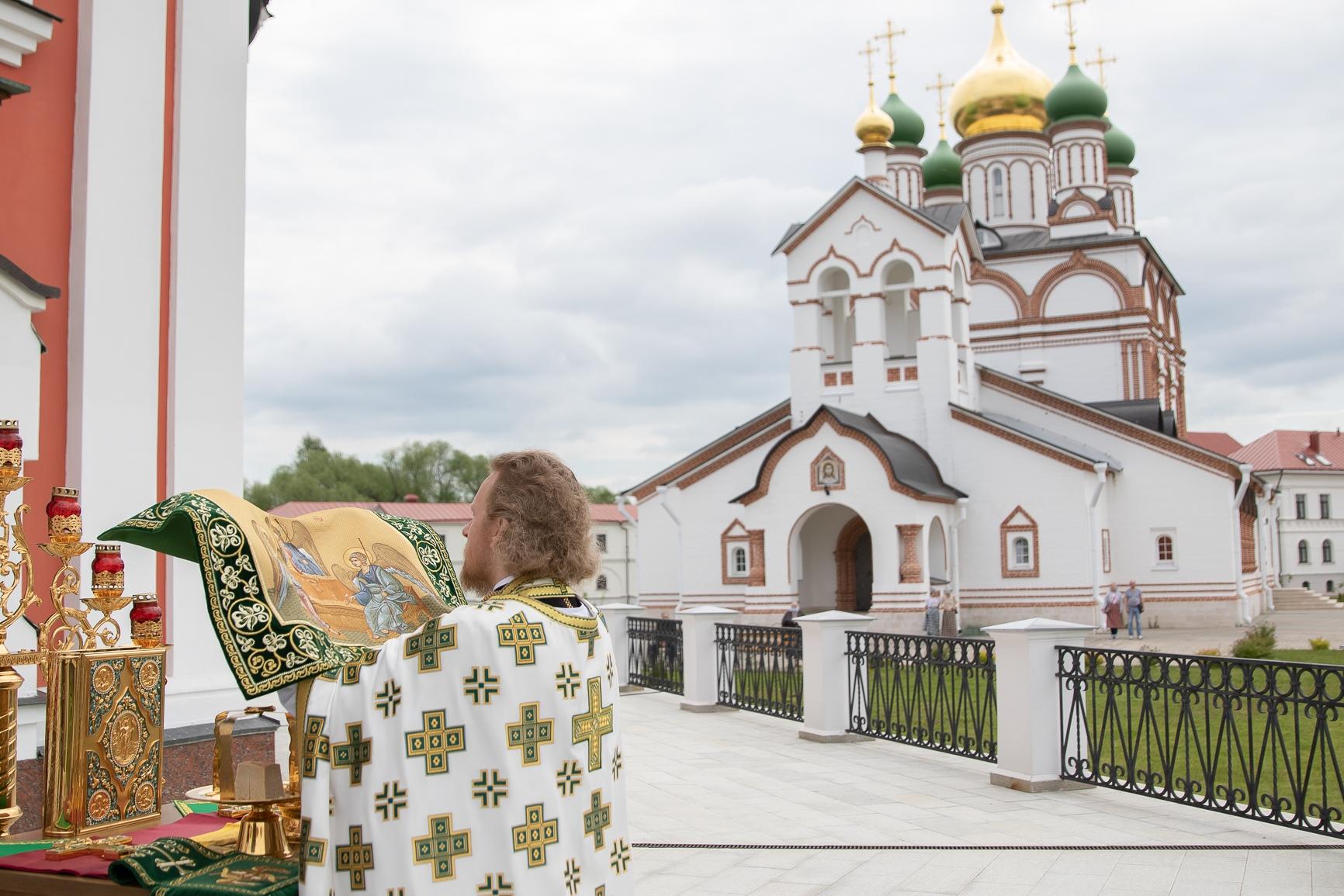 В Обители встретили престольный Праздник Святой Троицы, изображение №4