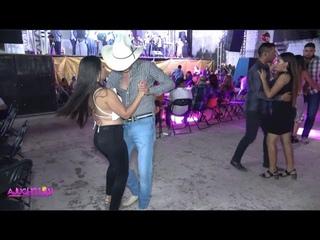 Volvio otra vez la chica 4x4  !! ---Mira nomas como se baila en Tierra Caliente.