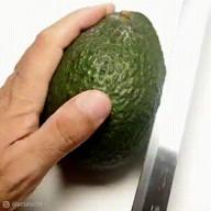 id_55563 Карвинг из авокадо 🥑 Смотрится невероятно! 😉  #gif@bon