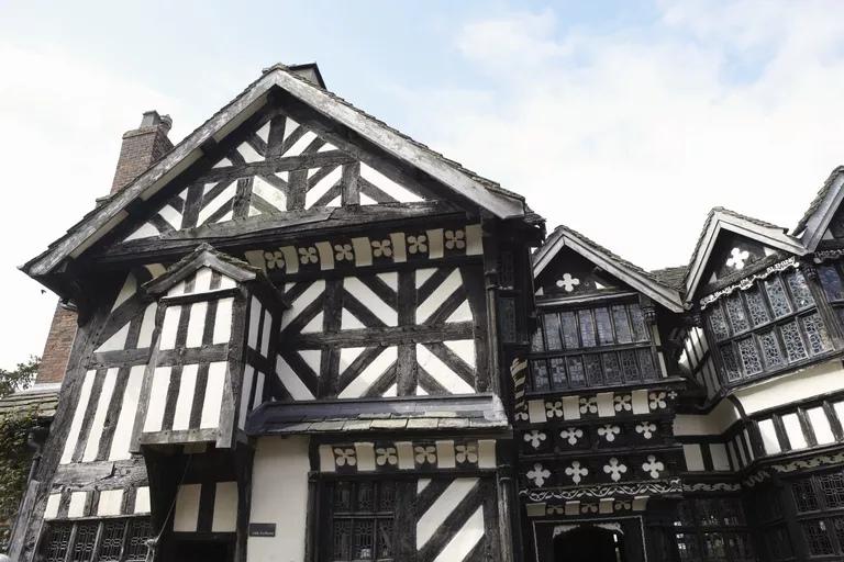 Внешний вид средневековой фахверковой конструкции, изображение №1