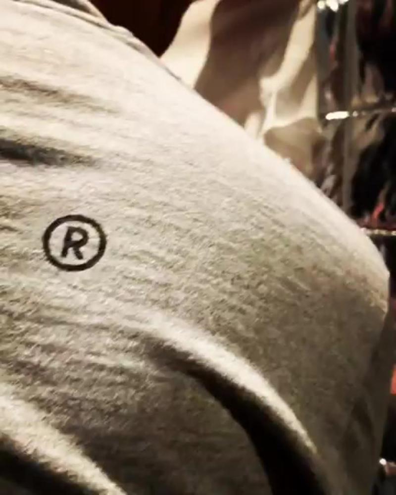 Футболка Jeff Staple x Nike меняющая цвет под действием ультрафиолета