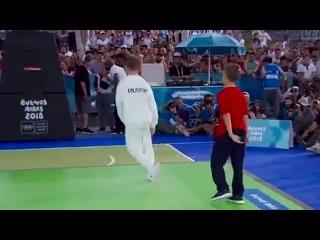 Первое в истории олимпийское золото в брейк-дансе у россиянина 👍
