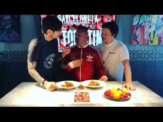 Александр Анатольевич, Мистер Малой готовят блюда с томатами под руководством Шеф-повара Алексея Павлова | @
