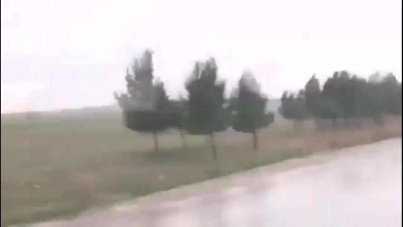 Курд заснял видео так как будто не пускают российскую колонну в приграничный город Амуда 22 февраля 2020