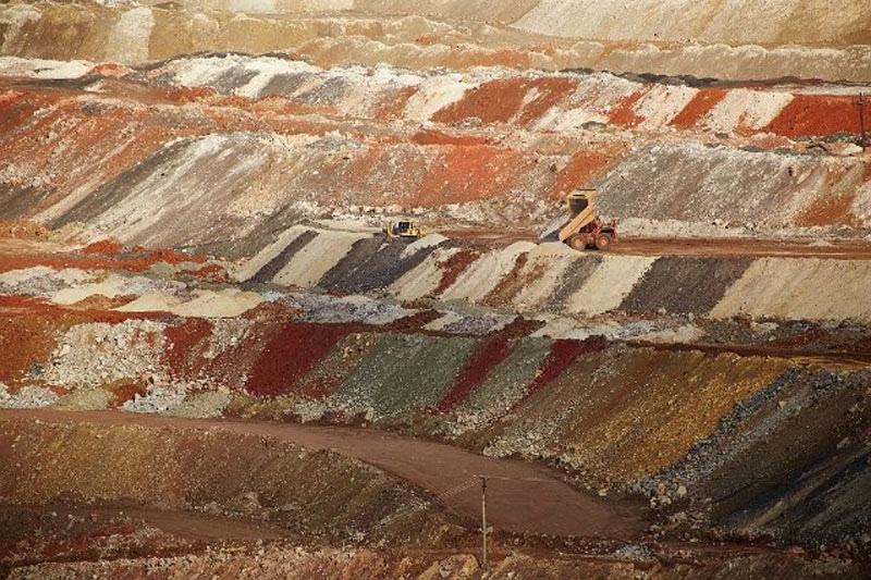 Земля один огромный древний карьер, изображение №99