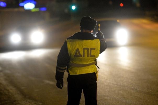 Признаки, по которым инспекторы ГИБДД вычисляют пьяных водителей  Запотевшие...