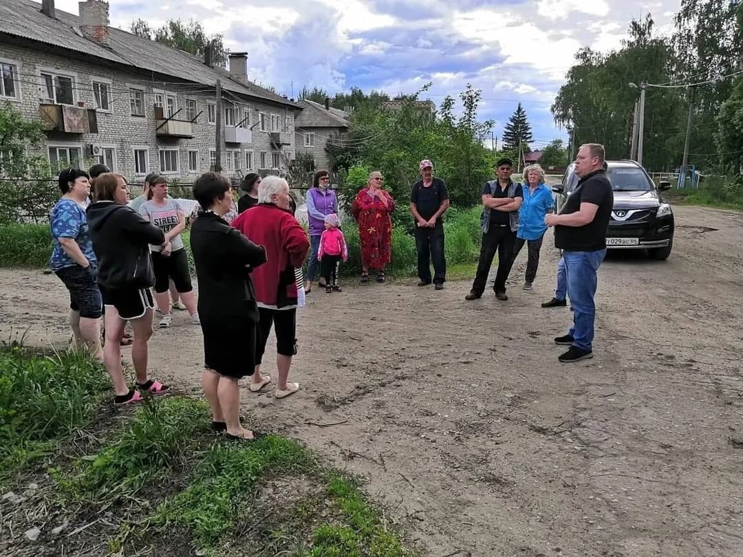 В Петровске продолжаются встречи с жителями, на которых обсуждается вопрос использования придомовых территорий многоквартирных домов