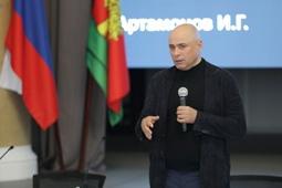 Игорь Артамонов встретился со священнослужителями Русской православной церкви