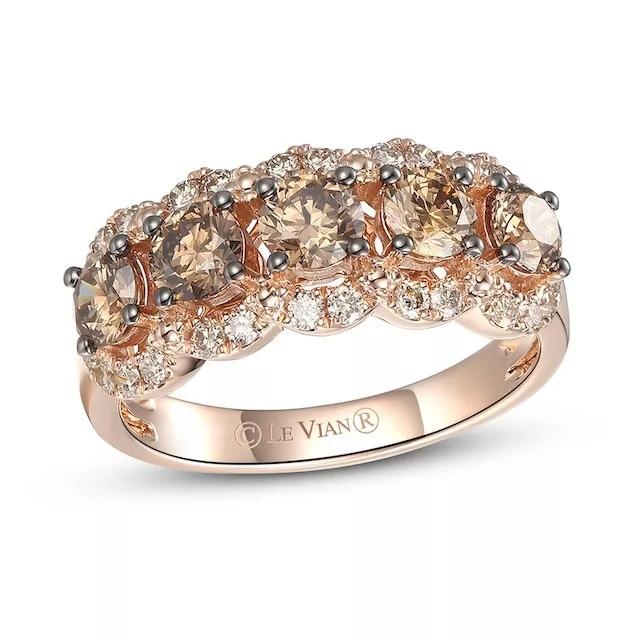 bQvqdUJNk20 - Шоколадные бриллианты в обручальных кольцах - звучит мечтательно