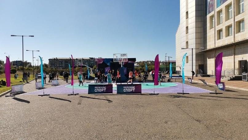 Новую баскетбольную площадку на премии «Студент года-2021» открыл ДМ «Мегаполис»