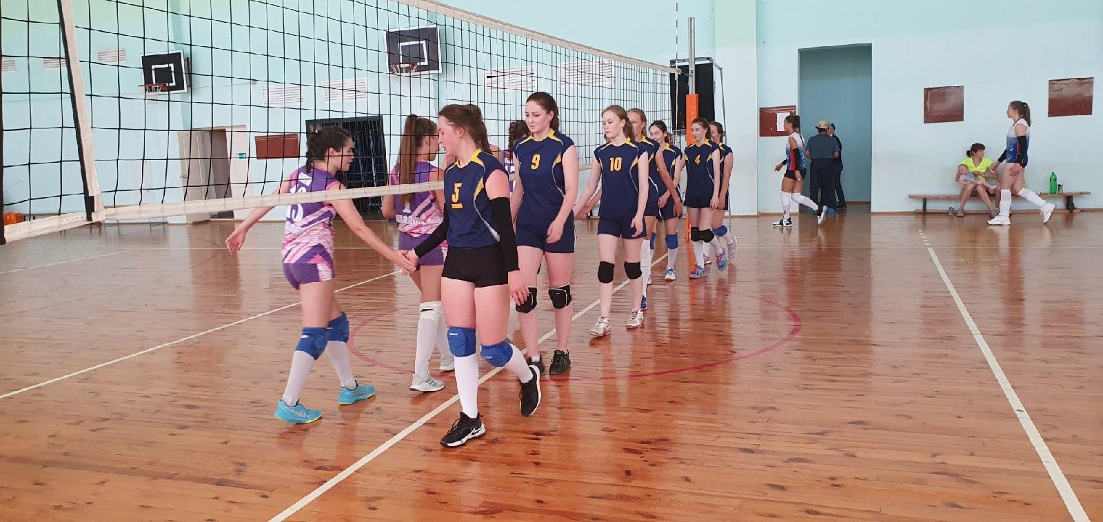Команда юных волейболисток Можгинского района стала серебряным