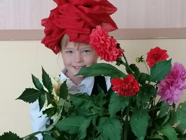 Праздник осенних цветов в Ивановском сельском Доме культуры