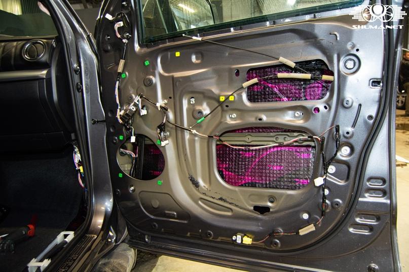 Комплексная шумовиброизоляция Toyota Tundra., изображение №6