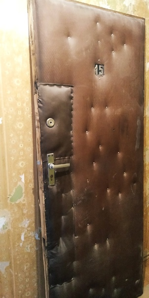 Отдам входная дверь с ключами