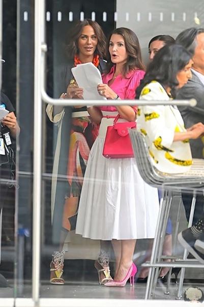 Сара Джессика Паркер, Синтия Никсон и Кристин Дэвис на съемках продолжения Секса в большом городе Поклонники сериала Секс в большом городе с большим нетерпением и крайним любопытством ждут