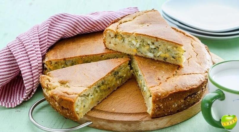 Быстрый пирог с рыбой, яйцом и зеленью