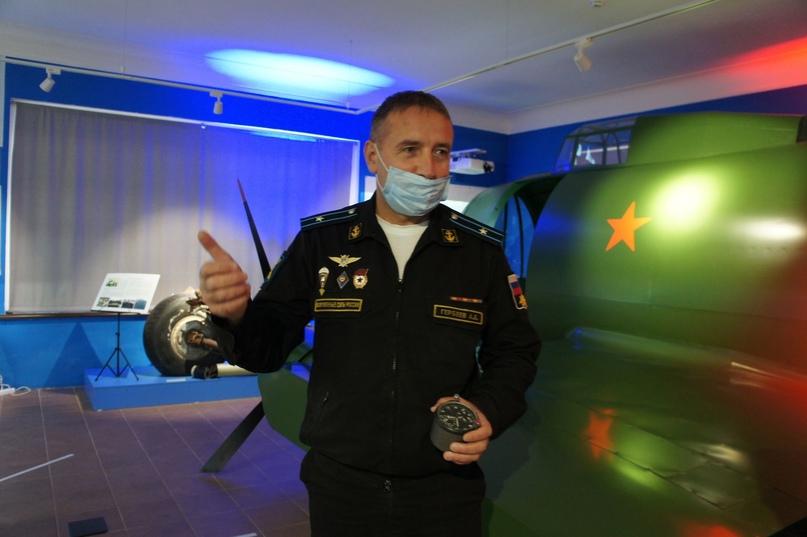 Авиационные часы подарили лётчики Музею Евгения Преображенского в Кириллове ✈