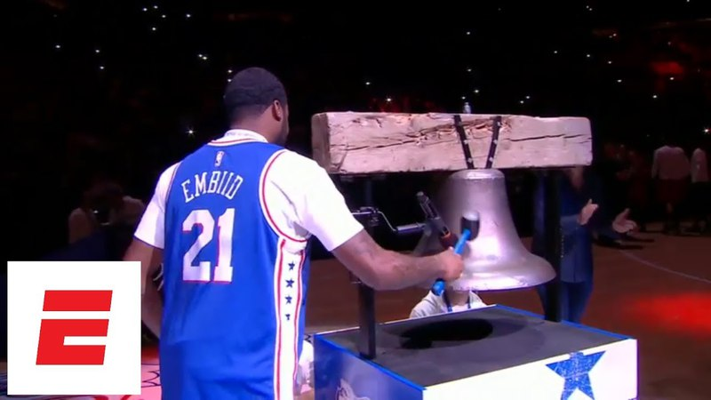 Meek Mill chats with Eagles owner, rings bell wearing Joel Embiid jersey at 76ers-Heat game | ESPN