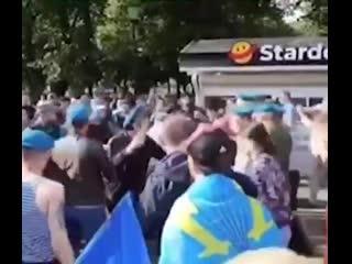 #necro_tv: Драка ВДВ с ОМОН и Росгвардией 2 августа 2020 в парке Горького в Москве