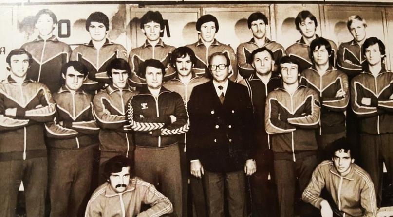 СКИФ в 1981 году. Александр Степаненко крайний слева в верхнем ряду