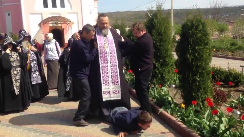 Батюшка садист Вся правда об РПЦ в одном видео
